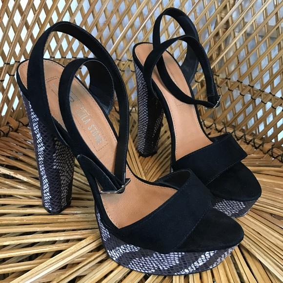cfb3eb8dccb Leila Stone Shoes - Leila Stone Platform Snakeskin Chunky Heels